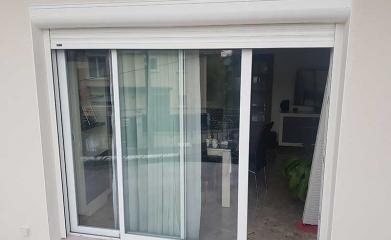 Porte fenêtre alu et volets